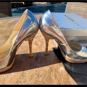 Brian Atwood Metallic tri-color pump size 38